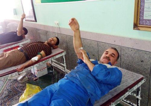 اهدای خون توسط کارکنان شرکت صنعت چوب شمال